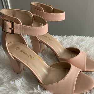 Shoes - Dream pair wedges